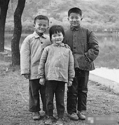 马云童年、青少年时期照片 阿里巴巴早期创业老照片汇总